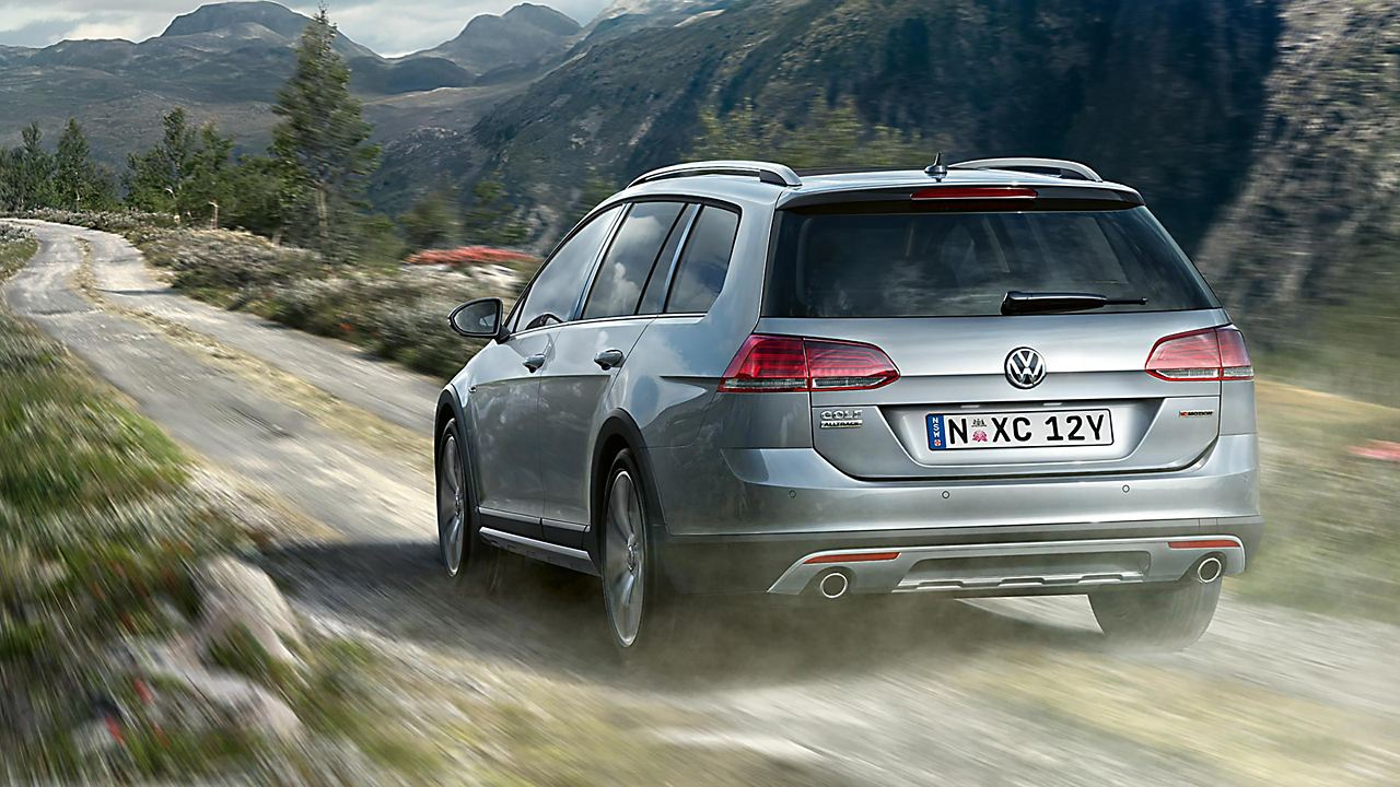 Golf Alltrack Gallery Image 1