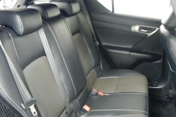 2015 Lexus Ct200h ZWA10R MY15 F Hatchback