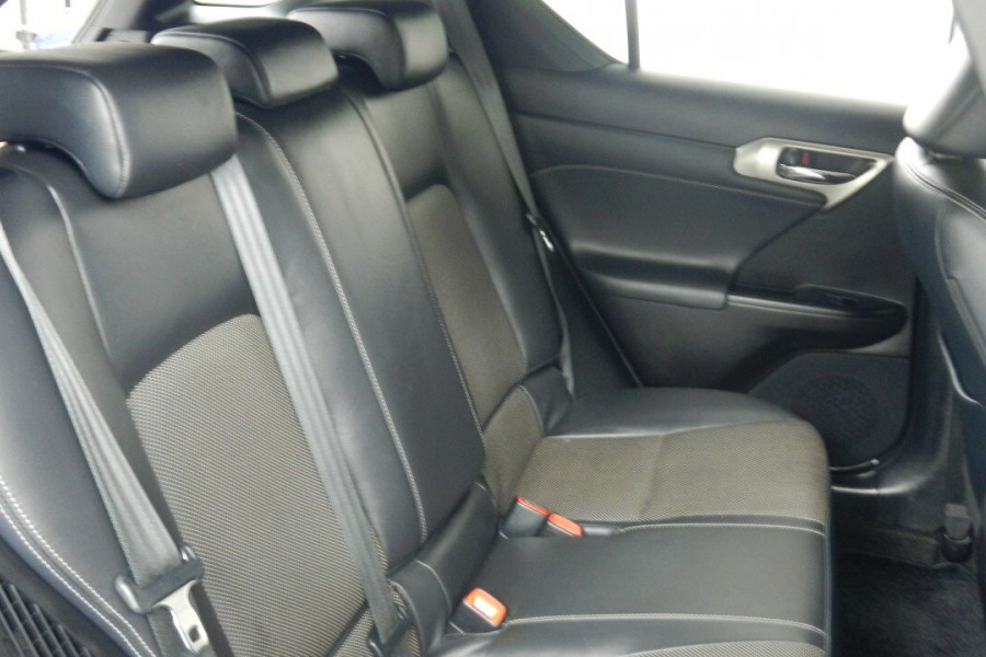2015 Lexus Ct200h ZWA10R MY15 F Hatchback Mobile Image 18