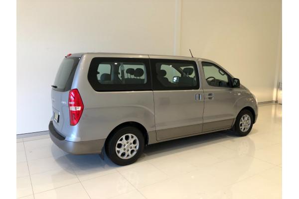 2014 Hyundai Imax TQ-W Wagon Image 4