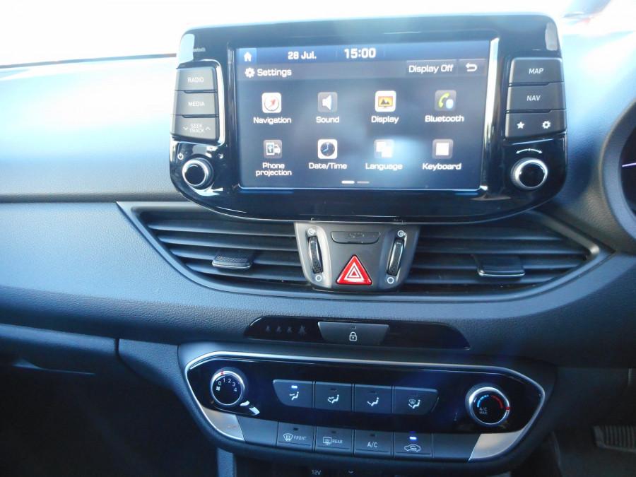 2017 MY18 Hyundai i30 PD Active Hatchback Image 19