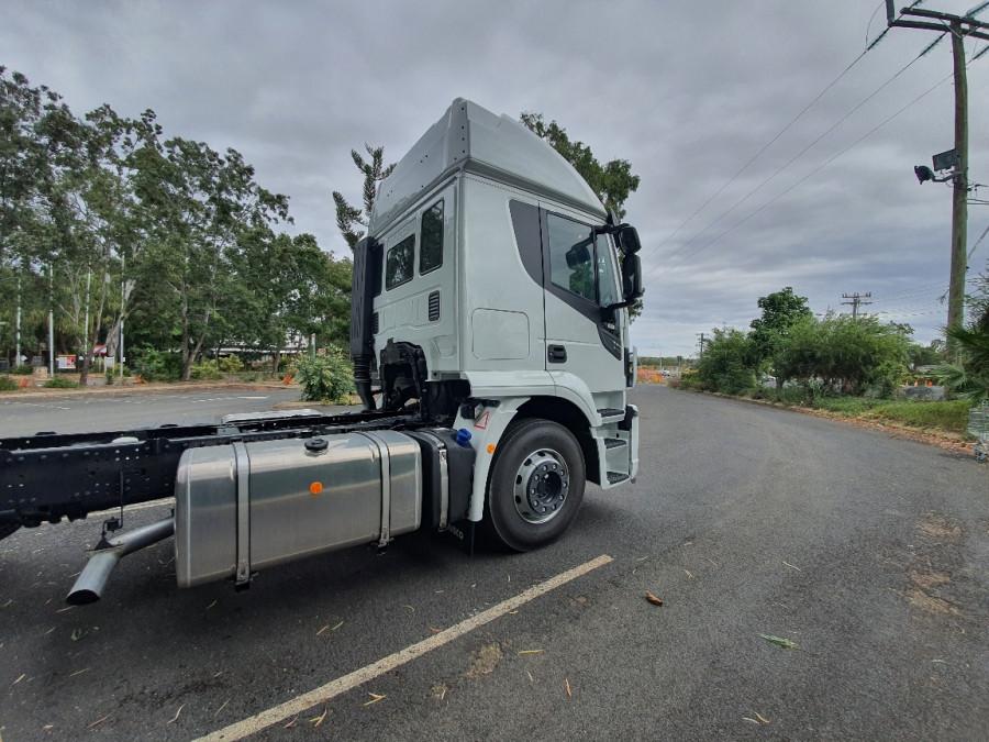 2019 Iveco X-way 6x4 Truck Image 6