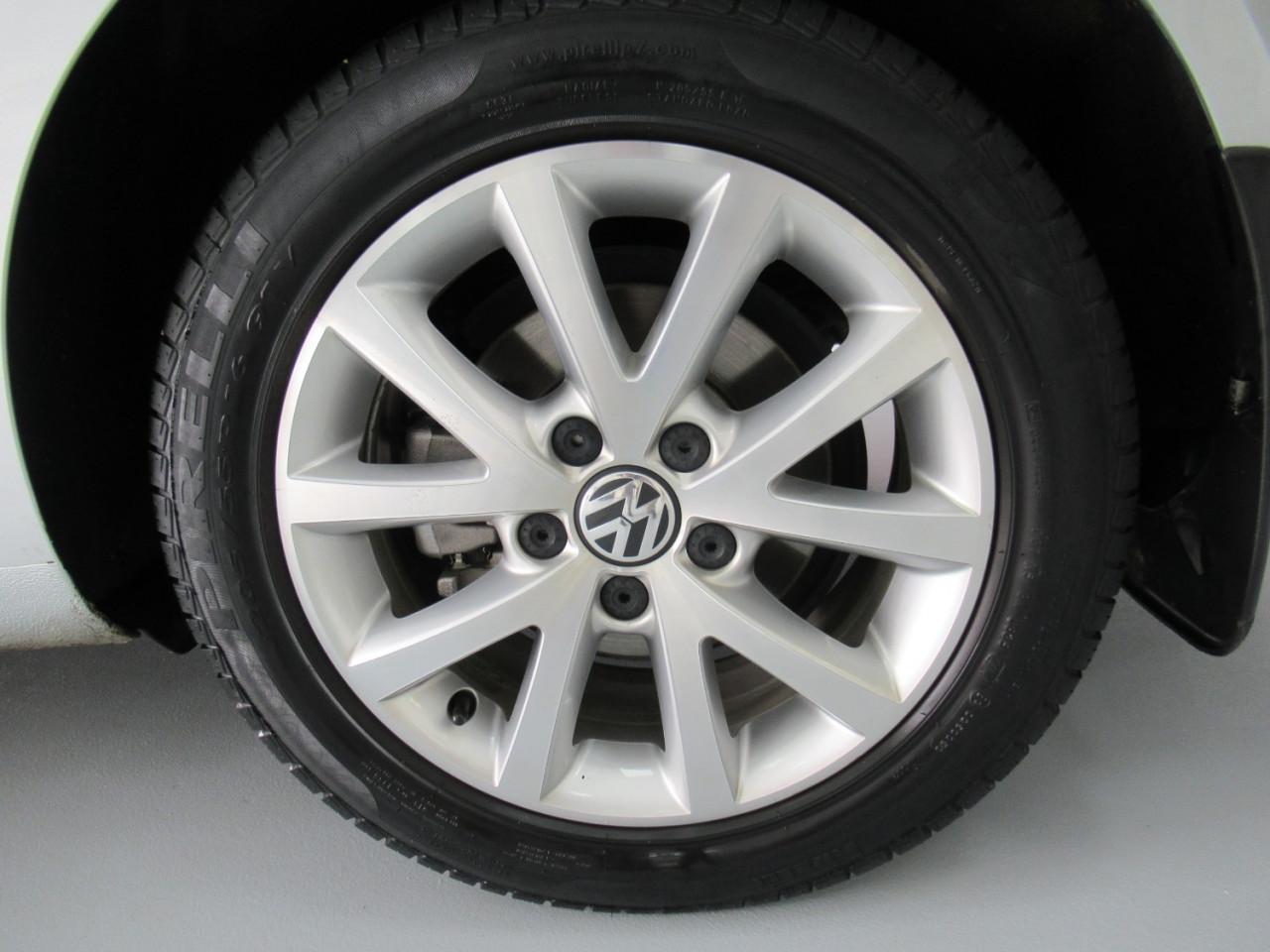 2010 Volkswagen Jetta 1KM MY10 103TDI Sedan Image 13