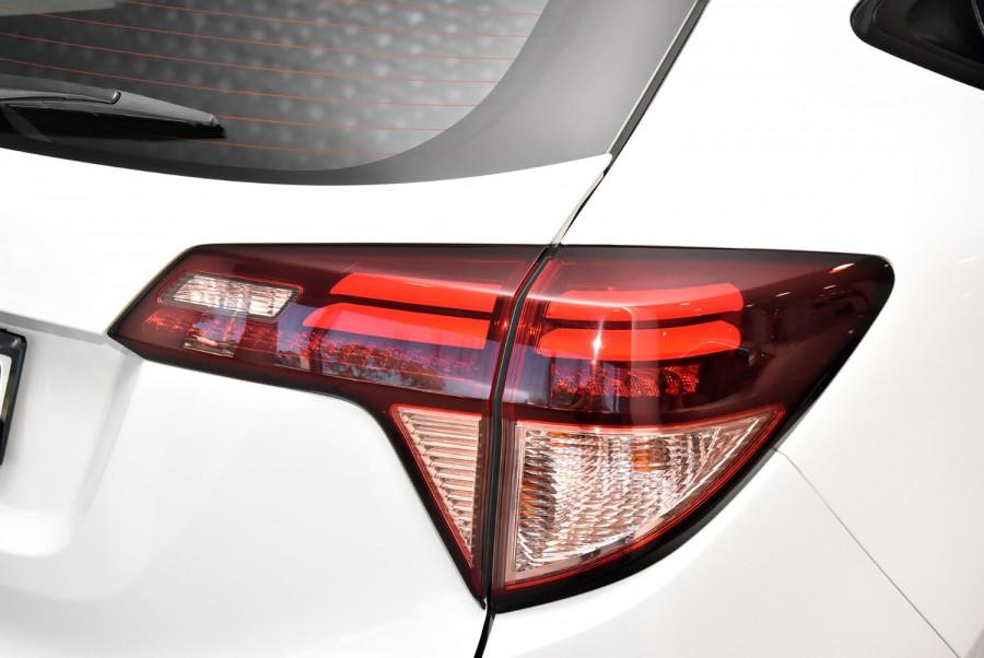 2015 Honda HR-V VTi-S Suv Image 19