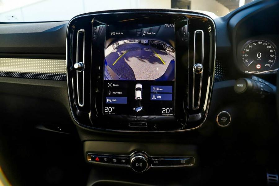2020 Volvo XC40 T5 R-Design Suv Mobile Image 12