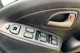 2013 Hyundai ix35 LM2 SE Suv Image 4