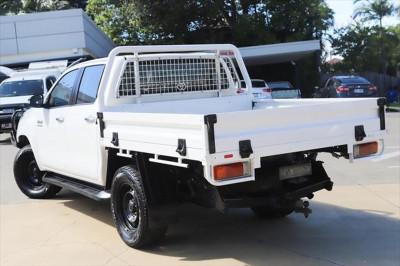 2017 Toyota HiLux GUN126R SR Cab chassis Image 3