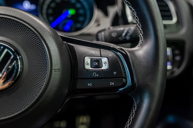 2017 MY18 Volkswagen Golf 7.5 R Grid Edition Hatch Image 32