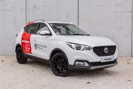 MG ZS Essence 1.0 Turbo Pano Roof GPS
