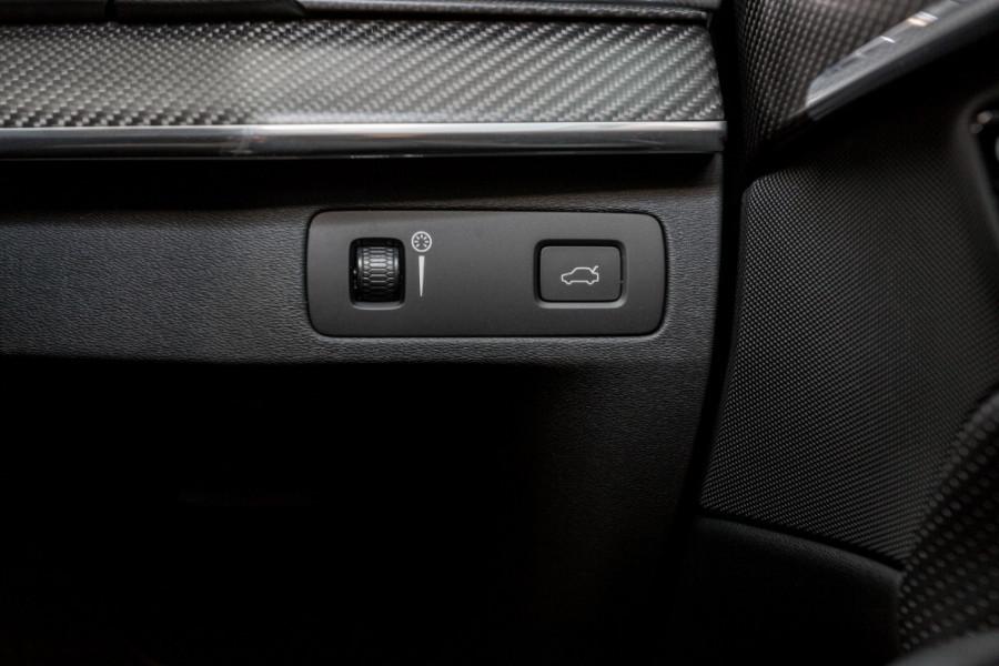 2019 MY20 Volvo XC90 L Series T6 R-Design Suv Image 15