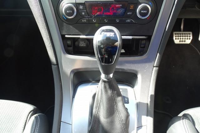 2014 Ford Mondeo Titanium Hatch 16 of 21