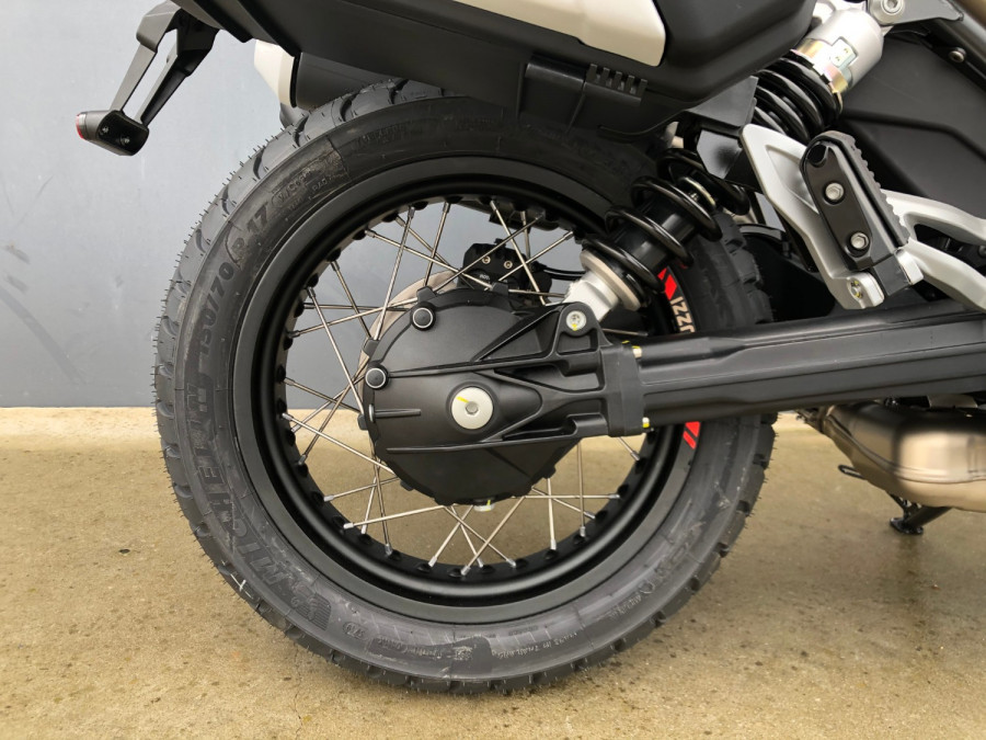 2020 Moto Guzzi V85TT Travel Motorcycle Image 17