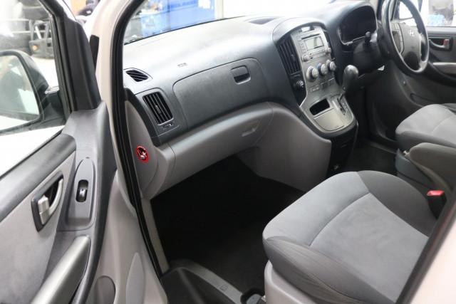 2015 Hyundai Imax TQ-W MY15 LWB Wagon Image 5