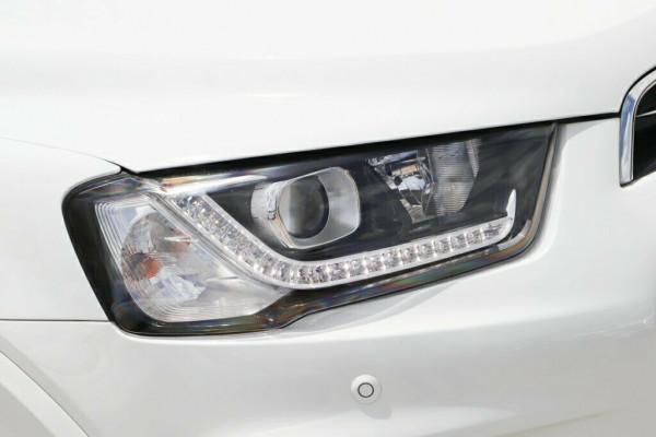 2016 MY17 Holden Captiva CG MY17 LTZ AWD Suv Image 2