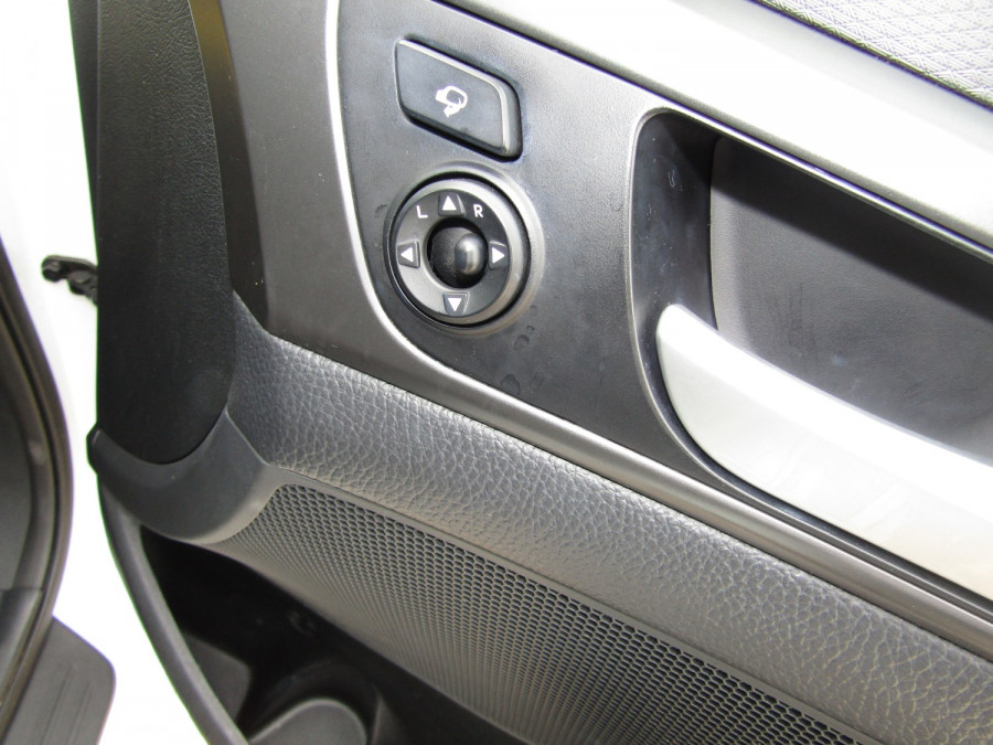 2017 Hyundai Veloster FS5 Series II SR Turbo Hatchback Image 21