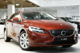 Volvo V40 D4 Adap Geartronic Inscription M Series MY18