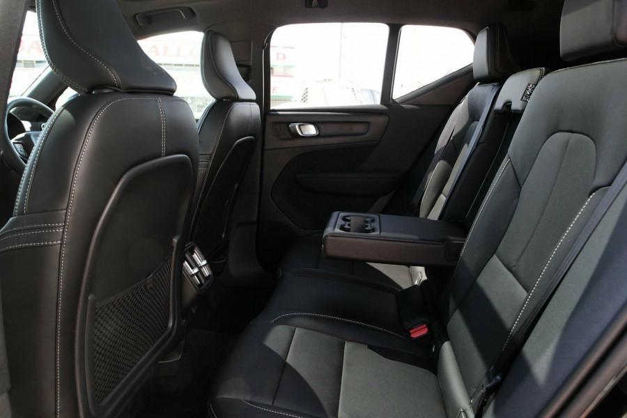 2018 MY19 Volvo XC40 T4 Momentum Wagon