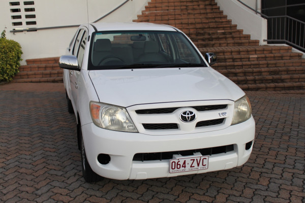 0000 MY05 Toyota HiLux GGN15R MY05 SR5 Dual cab Image 3