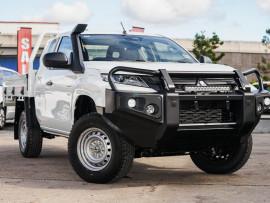 Mitsubishi Triton GLX ADAS Club Cab Chassis 4WD MR