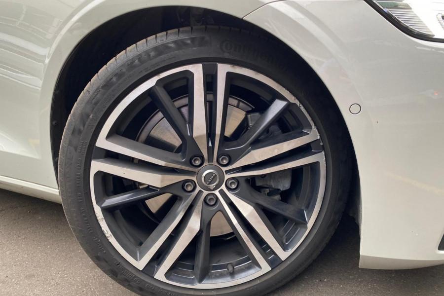 2020 Volvo S60 Z Series T5 R-Design Sedan Image 8