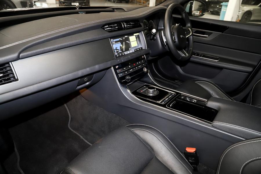 2020 Jaguar Xf Auto