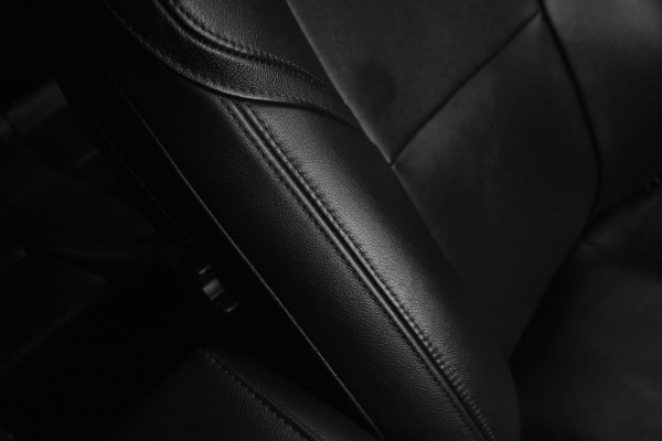 2014 Volvo V40 (No Series) MY15 D4 Luxury Hatchback Image 4