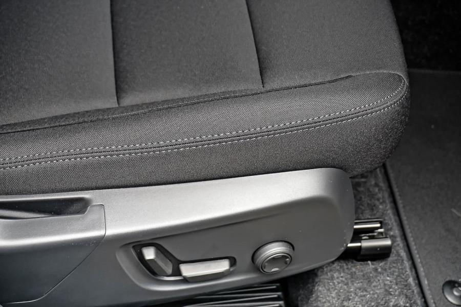 2020 MY21 Volvo XC40 XZ T4 Momentum Suv Image 15