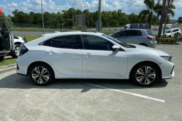 2019 Honda Civic 10th Gen MY19 VTi-LX Hatchback Image 3