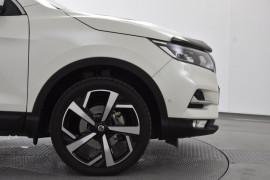 2017 Nissan QASHQAI J11 Series 2 ST Suv Image 5