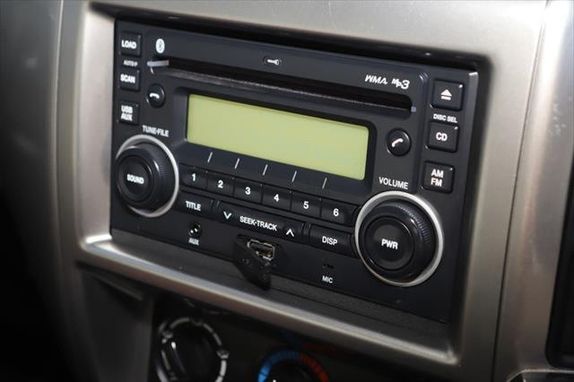 2015 Nissan Patrol Y61 ST N-TREK Suv Image 17