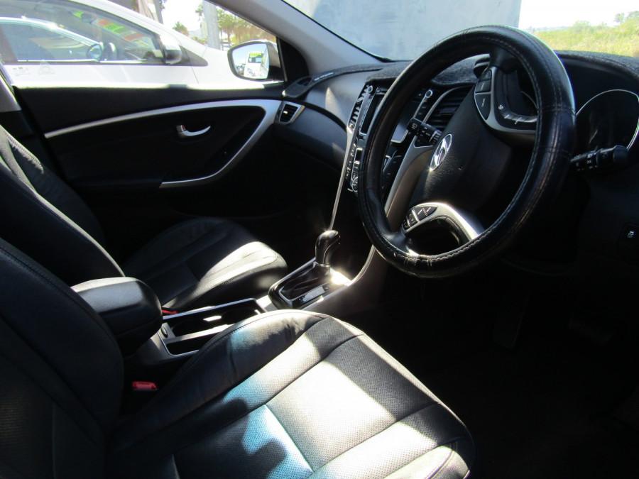 2013 MY14 Hyundai i30 GD2 Premium Hatchback Image 11