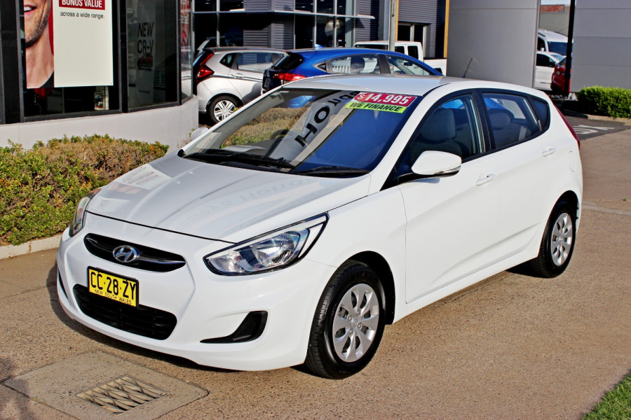 2015 Hyundai Accent RB2  Active Hatchback Image 1