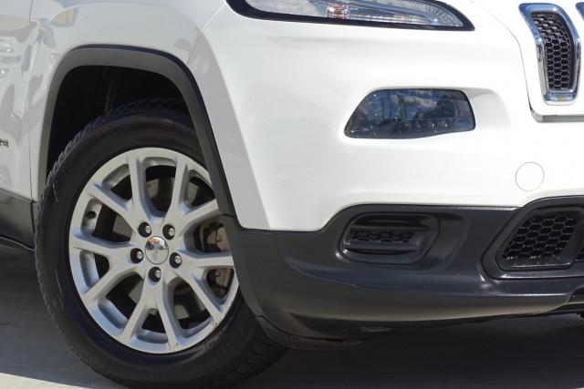 2015 Jeep Cherokee Sport 2 of 26