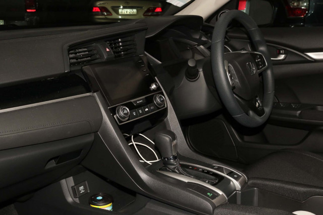 2020 Honda Civic 10th Gen VTi Sedan Image 5