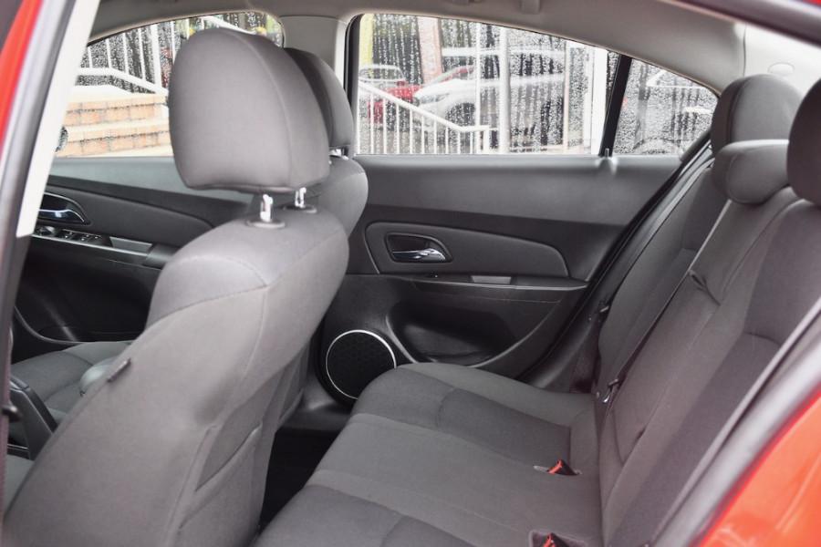 2014 Holden Cruze Vehicle Description. JH  II MY14 EQUIPE SED 4DR SA 6SP 1.8I Equipe Sedan Image 7