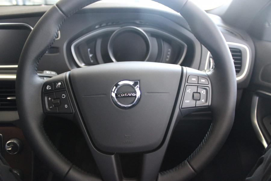 2017 MY18 Volvo V40 M Series D2 Momentum Sedan