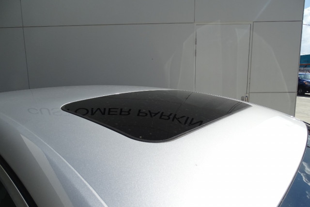 2014 Ford Mondeo Titanium Hatch 9 of 21