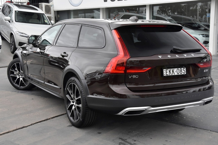 2019 Volvo V90 Cross Country D5