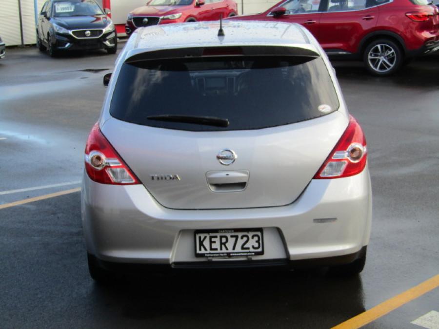 2011 Nissan Tiida Hatchback