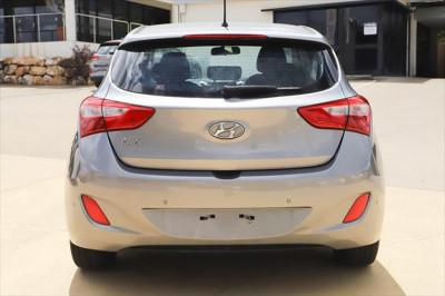2013 Hyundai I30 GD Active Hatchback Image 4