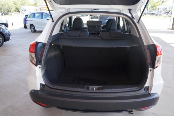 2021 Honda HR-V VTi Suv