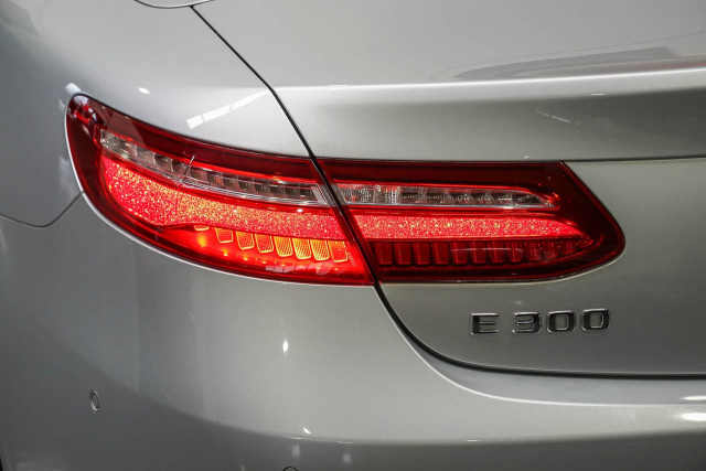 2018 Mercedes-Benz E-class A238 E300 Cabriolet Image 10