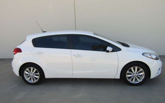 2014 MY15 Kia Cerato YD MY15 S PREMIUM Hatchback Image 2