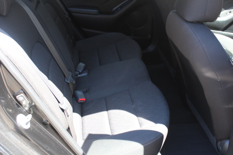 2015 Kia Cerato YD S Sedan Image 12