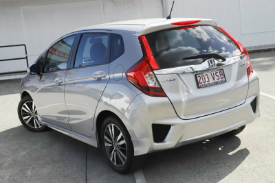 2015 Honda Jazz GF VTi-S Hatchback Image 2