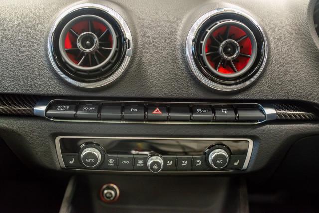 2016 Audi RS 3 Sportback 8V 2.5 TFSI Quattro S-tronic Hatchback Image 24