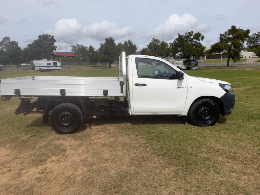 2015 MY14 Toyota HiLux KUN16R Turbo Workmate Cab chassis Image 8
