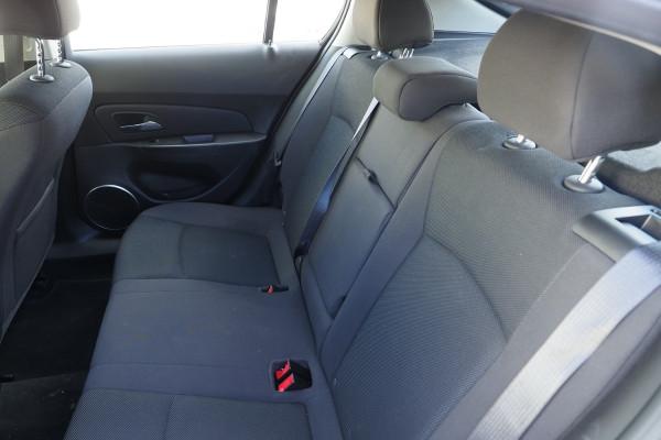 2016 Holden Cruze Vehicle Description. JH  II MY16 EQUIPE HBK 5DR SA 6SP 1.8I Equipe Hatchback Image 4