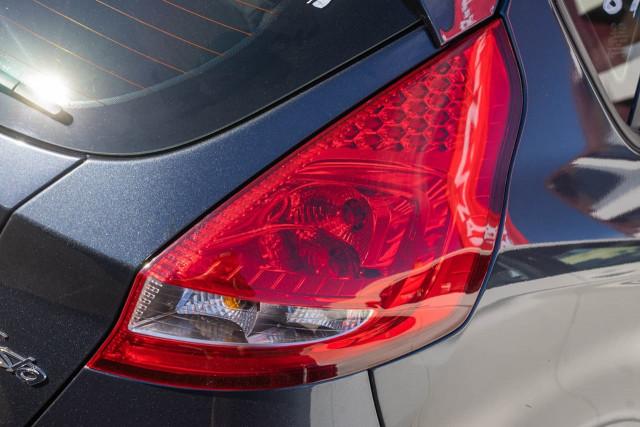 2012 Ford Fiesta WT CL Hatchback Image 17