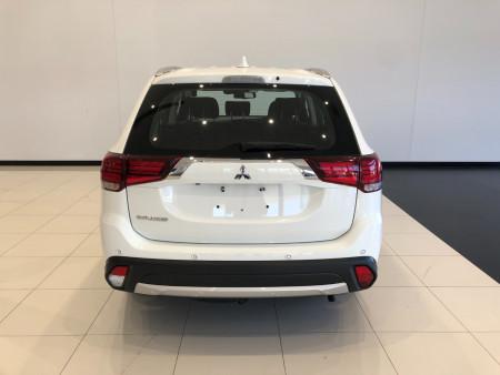 2017 Mitsubishi Outlander ZL ES ADAS Suv Image 5